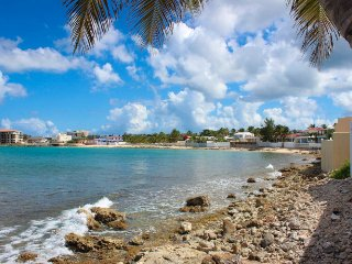 LA CASITA...3BR beach front villa in Beacon Hill, St Maarten - Beacon Hill vacation rentals