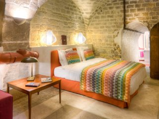 Stunning 17th Century Wine Cellar Near L'Opéra... - Paris vacation rentals