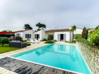 Villa with a pool, 30m from the beach - Sainte Marie de Re vacation rentals