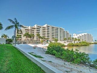 Inviting 1BR Hudson Condo w/Wifi, Private Balcony & Pristine Ocean Views - Instant Access to Gulf of Mexico & Attractions! - Hudson vacation rentals