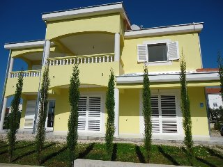 2 bedroom Apartment with Internet Access in Pakostane - Pakostane vacation rentals
