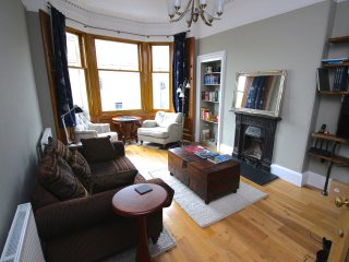 Montgomery Street Apartment by SQUARE Property - Edinburgh vacation rentals