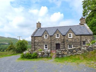 Lovely House with Dishwasher and High Chair - Porthmadog vacation rentals