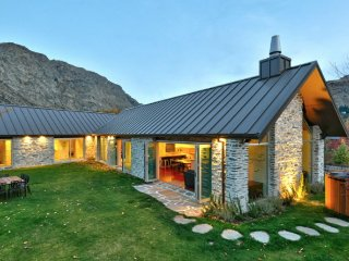Nice 5 bedroom House in Queenstown - Queenstown vacation rentals