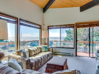 Sunny home w/ ocean view, private hot tub & beach access! - Newport vacation rentals