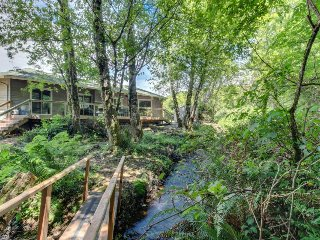 Beautiful romantic creekside home, near downtown & beach - Rockaway Beach vacation rentals