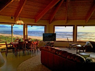 Spacious, dog-friendly oceanfront house w/ ocean views & private hot tub! - Waldport vacation rentals