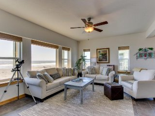 Modern oceanfront house w/ gorgeous views, hot tub, beach access - dogs ok! - Gold Beach vacation rentals