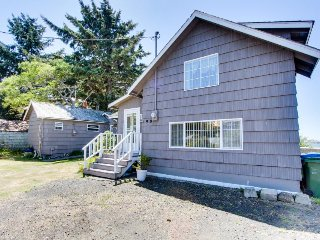 Dog-friendly bayfront cottage in town w/incredible views, close to shops & beach - Waldport vacation rentals
