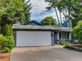 Spacious, dog-friendly home near the beach - perfect for large groups! - Depoe Bay vacation rentals
