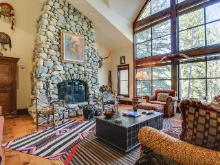 Luxury alpine home w/jetted tub, close to skiing! Includes shared hot tub, pool! - Beaver Creek vacation rentals