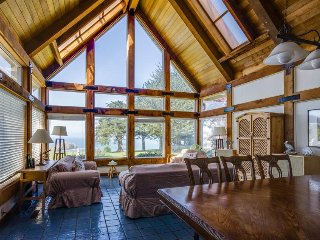 Oceanfront home w/ private hot tub, ocean views & entertainment! - Elk vacation rentals