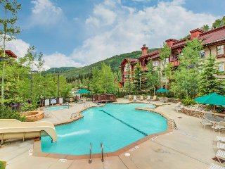 Stylish ski-in/ski-out condo w/ shared hot tub & pool + access to Club Solitude! - Solitude vacation rentals