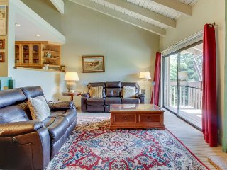 Spacious, rustic condo w/ shared pool & hot tub - near Baldy & Dollar Mountain - Sun Valley vacation rentals