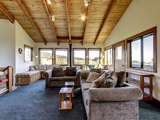 Walk to Shell Beach from this Sea Ranch home w/hot tub & shared pool! - Sea Ranch vacation rentals