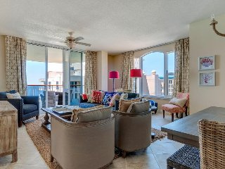 Oceanfront penthouse w/ incredible views, new furnishings, shared pool & more - Navarre Beach vacation rentals