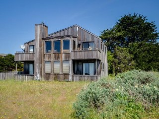Enjoy ocean views, a private hot tub, & shared pool! Two dogs okay! - Sea Ranch vacation rentals