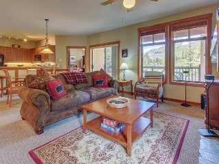 Ski-in/ski-out mountain view condo with a shared pool, hot tub & game room! - Solitude vacation rentals