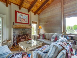 Cabin-style condo w/ shared hot tub & pool, walk to slopes! - Sun Valley vacation rentals