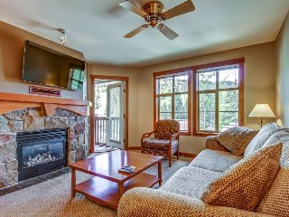 Ski-in/ski-out condo with lovely ski views and access to a shared pool & hot tub - Solitude vacation rentals