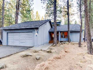 Inviting dog-friendly home w/ private hot tub, entertainment & SHARC access - Sunriver vacation rentals