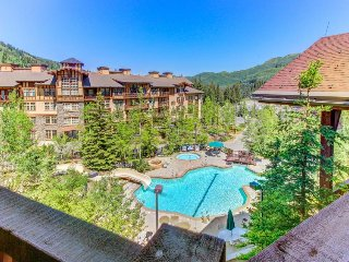 Cozy ski-in/out condo - access to Club Solitude w/shared pool, hot tub & more! - Solitude vacation rentals