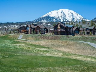 Gorgeous home near golf course and with room for eight! - Silverthorne vacation rentals