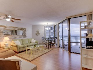 Spectacular oceanfront views, shared pool, walk to beach! - Panama City Beach vacation rentals
