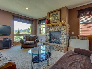Mountain view townhome w/ shared pool, hot tub & room for 13 - Wildernest vacation rentals