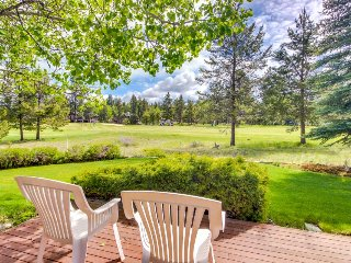 Laid-back, bright and spacious Sunriver home with private hot tub! - Sunriver vacation rentals