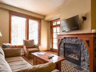 Ski-in/ski-out Village condo with a balcony and shared hot tubs, saunas & a gym! - Alpine Meadows vacation rentals