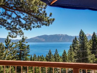 Luxurious cabin w/ gorgeous lake views, deck, & easy beach access! - Tahoma vacation rentals