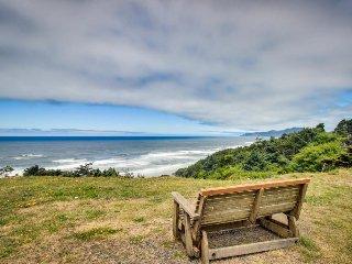 Retro-chic home w/ ocean views, hot tub, & enclosed back yard - dog-friendly! - Newport vacation rentals