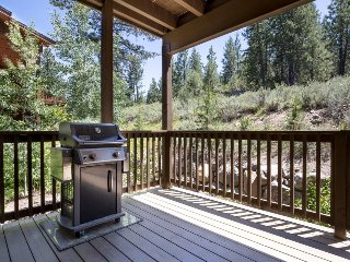 Spacious mountain townhome w/shared hot tub & pool, near ski & beach! - Truckee vacation rentals