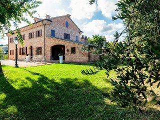 Charming Italian condo w/shared pool, hot tub, & gardens! - Senigallia vacation rentals