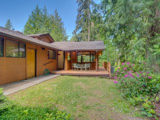 Northwest Art and stylish comfort nestled among the trees! - Port Angeles vacation rentals