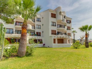 Beachfront condo with shared pool, amazing views, and great location - Alcudia vacation rentals