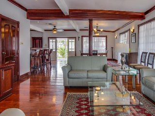 Luxurious, oceanfront cottage w/ views, shared pool & gym! - Belize City vacation rentals