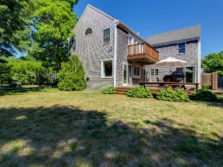 A large deck & yard just steps from downtown, walk to the beach! - Edgartown vacation rentals