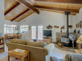 Comfortable home with big deck and gas grill, shared pool, tennis & more - Groveland vacation rentals