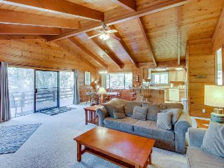 Peaceful, family-friendly cabin w/shared pool & more near Yosemite - Groveland vacation rentals