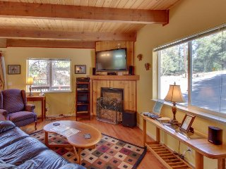 Cozy, family-friendly mountain chalet w/shared pool & more, near Yosemite - Groveland vacation rentals