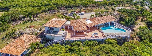 Villa LOlivier 2 Bedroom SPECIAL OFFER - Terres Basses vacation rentals