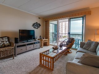Comfortable condo w/ ocean views, shared pool & nearby beach access! - Ocean City vacation rentals