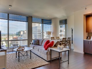 Modern condo w/ downtown views, close to shopping/dining, dog-friendly! - Portland vacation rentals