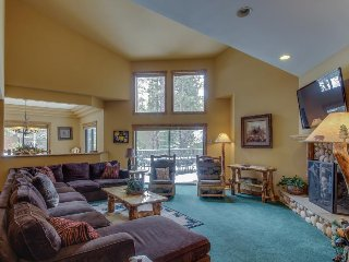Luxurious Big Bear Lake retreat w/private hot tub, pool table & jetted bathtub! - Big Bear Lake vacation rentals