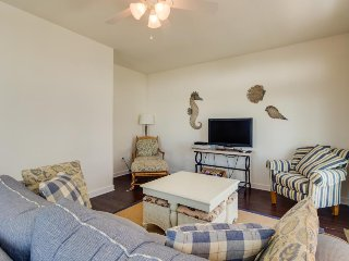 Brand new townhouse just 1 1/2 blocks to the beach w/ shared pool - Ocean City vacation rentals