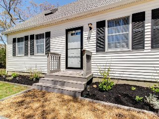 Charming cottage with deck and playroom one mile from beach - Oak Bluffs vacation rentals