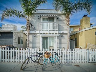 Updated condo in the heart of it all - room for 8 guests! - Newport Beach vacation rentals