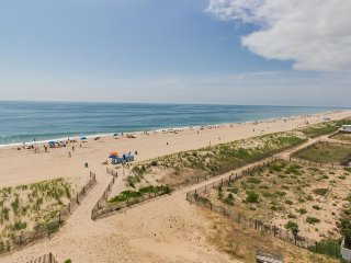 Cozy and spacious oceanfront condo with spectacular views - Ocean City vacation rentals